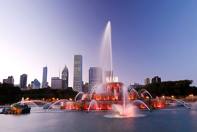 A perfect twilight moment at Buckingham Fountain