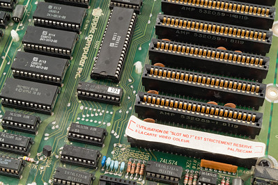 Apple ][ EuroPlus S/N IA252-696305. Motherboard.