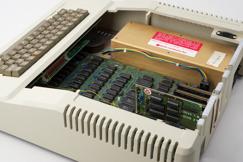 Apple ][ pictures. Apple ][ europlus, with a DISK ][ card.