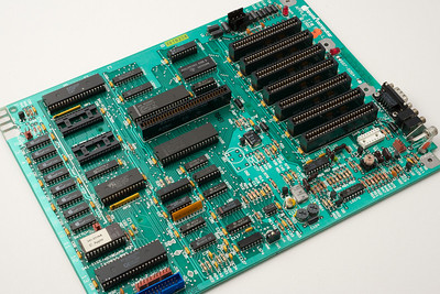 Apple ][ Apple ][ pictures. Apple //e enhanced motherboard.