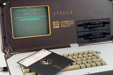 STADU-P (Système de Traitement et d'Acquisition de Données Universel Portable), de la société IEF, circa 1984. En fait, un Apple ][e.