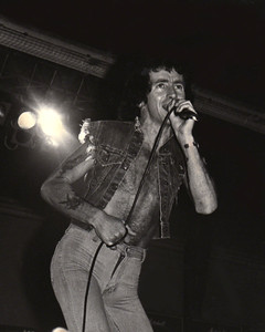Bon Scott, AC/DC, Cumberland County Auditorium, 1978
