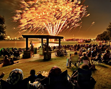 Print_8X10_4th_July_Fireworks_The_Crowd_D75_6869a_filtered_NeatImage