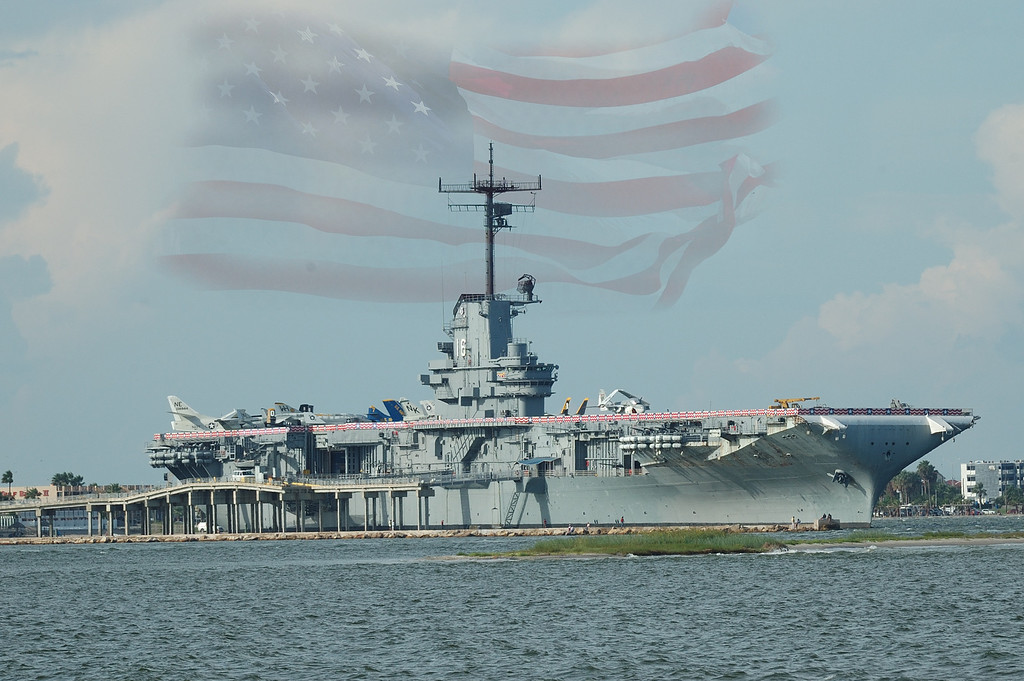 "USS Lexington <I>This Photo can be purchased by clicking the"" Buy"" button above.  Most sizes are available.<I/>"