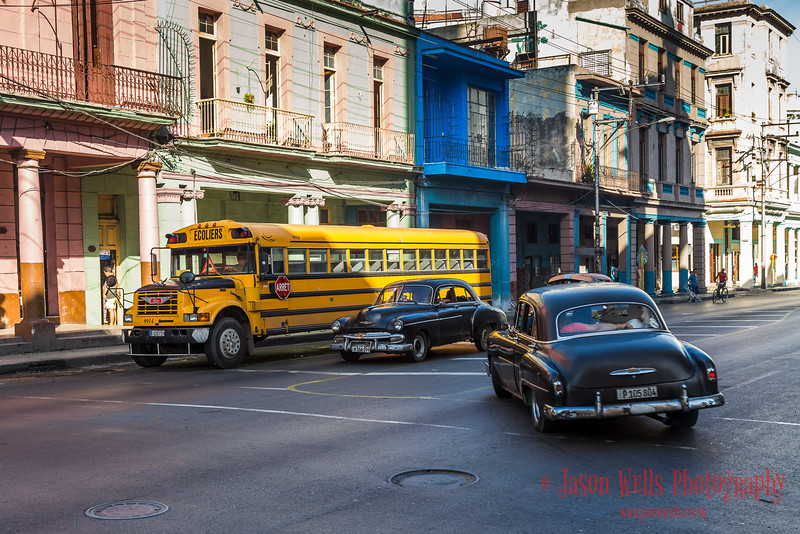 Old vehicles in Centro Havana