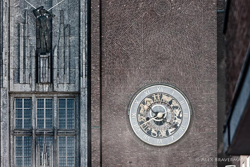 the Zodiac clock