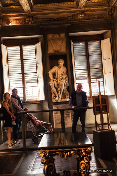 Family in front of Michelangelo