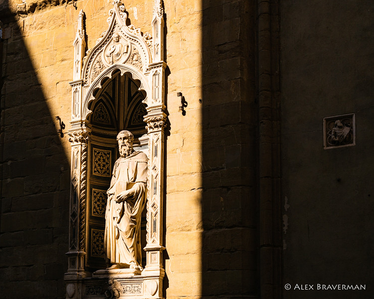 Michelangelo stopped for a moment to gaze at Donatello's marble St. Mark standing in a tall niche of the<br /> Orsanmichele.