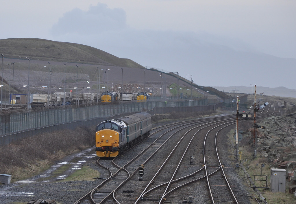 37409 (with 37510, 37612 and 20309 in the background), Sellafield.