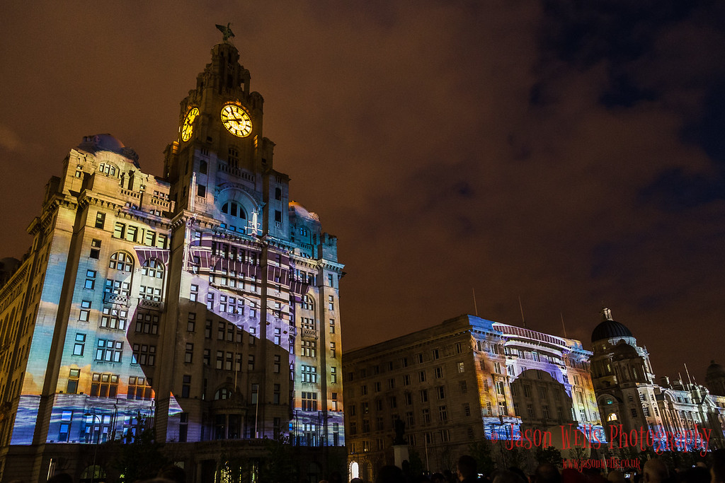 Three Queens projected onto the Three Graces.