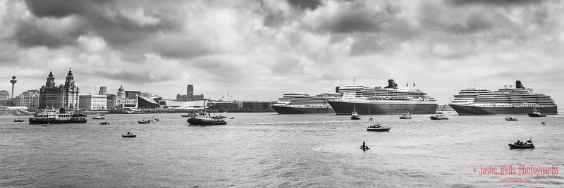 Mono of the Three Queens in formation.