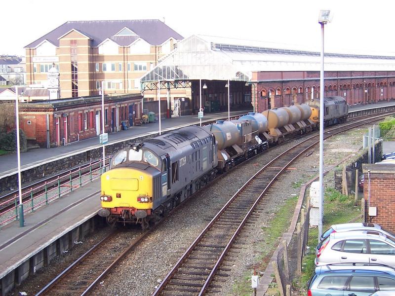 37259 and 37602. Holyhead. November 2006.