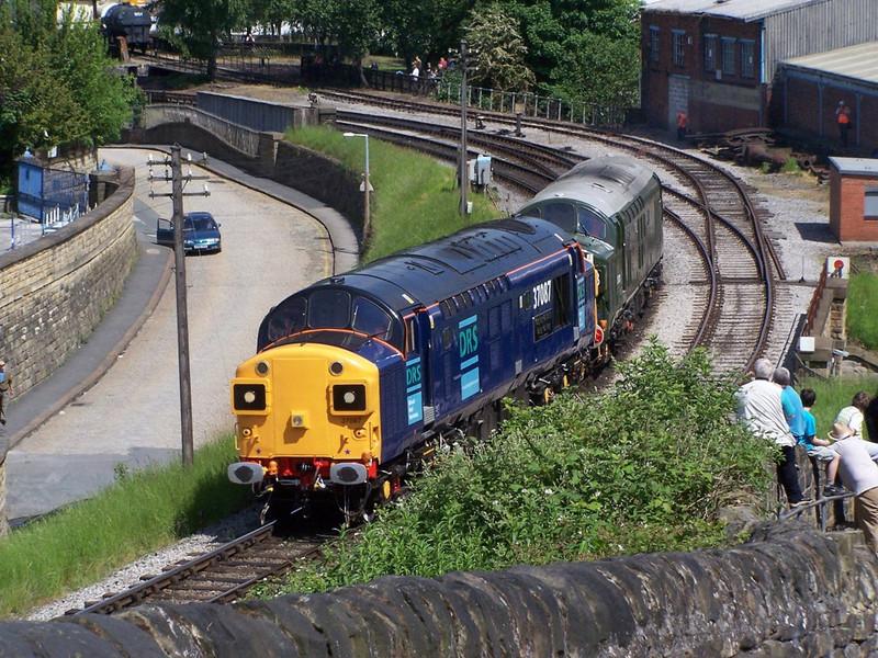 37087, Keighley. June 2007.