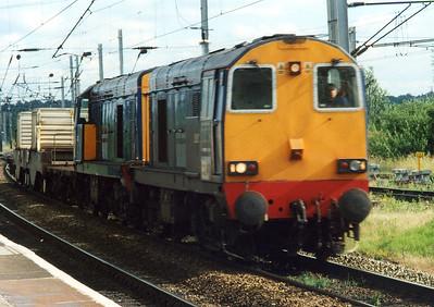 20307 and 20312. Warrington Bank Quay. July 2000.