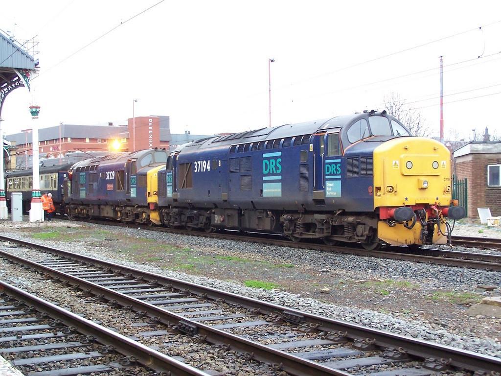37194 and 37229. Preston. December 2006.