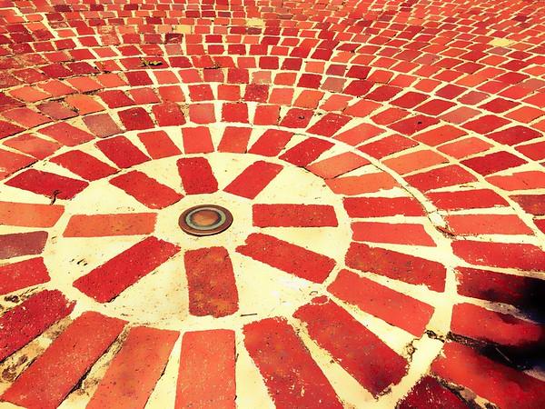 Concentric Bricks