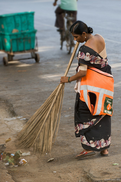 Sweeper woman<br /> 09 June 2010<br /> <br /> Shot on Sunday morning near Kala Ghoda.