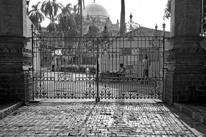 "Prince of Wales Museum<br /> 31 May 2010<br /> <br /> now renamed Chhatrapati Shivaji Maharaj Vastu Sangrahalaya of Mumbai.<br /> <br /> Original colour shot is here:<br /> <a href=""http://hershy.smugmug.com/Photography/Mumbai-my-city/Misc-shots-of-Mumbai/L1010794/879597135_QDfzK-L.jpg"">http://hershy.smugmug.com/Photography/Mumbai-my-city/Misc-shots-of-Mumbai/L1010794/879597135_QDfzK-L.jpg</a>"