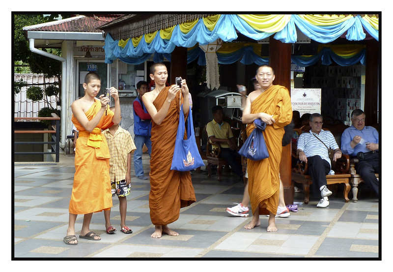 """4th year Pic 290 - Jan - 9 2013. <span style=""""color:yellow""""> Mobile monks.</span> -  Wat Phrathat Doi Suthep, Chiang Mai, Thailand <span style=""""color:cyan"""">Critiques welcome!  </span>  </font> <a href=""""http://hershy.smugmug.com/Travel/Thailand/Chaing-Mai/22968830_6GHkxk""""> <font color=""""Red""""> More pics of Chiang Mai </a> </font>"""
