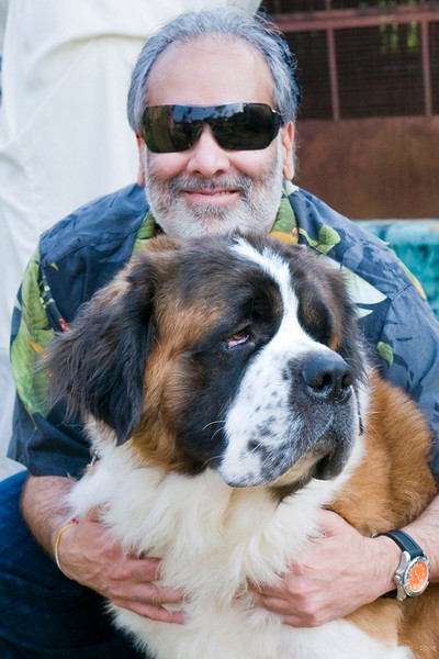 "172 16th Oct<br /> Sanjay with Noel <br /> <br /> We met this lovely St. Bernard at Aamby Valley 'zoo' where they have a few dogs beside other animals / birds.<br /> <br /> ""Dogs are not our whole life,<br /> but they make our lives whole.""<br /> Roger Caras<br /> <br /> Aamby Zoo :<br />  <a href=""http://hershy.smugmug.com/gallery/4687024_TqsLg//274963454_tKfFw"">http://hershy.smugmug.com/gallery/4687024_TqsLg//274963454_tKfFw</a><br /> <br />  <a href=""http://www.javeri.net"">http://www.javeri.net</a>"