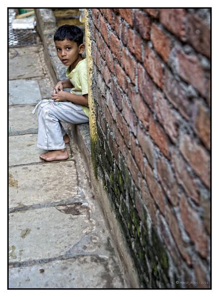 "3rd year Pic 273 - Jul 07 2011 <span style=""color:yellow"">Boy</span> <br> Koli Fishing Village, Cuffe Parade  B&W  version is here<br> http://hershy.smugmug.com/Photography/Mumbai-my-city/South-Mumbai/16667060_gC4gZV#1367644179_2vp98zj-A-LB  More pictures from Koli village: <br> http://hershy.smugmug.com/Photography/Mumbai-my-city/South-Mumbai/16667060_gC4gZV"