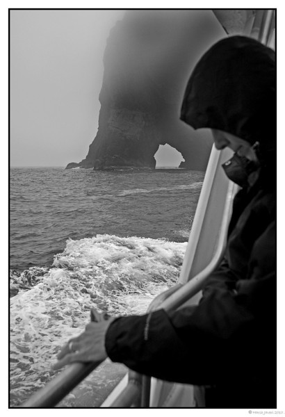 "3rd year Pic 140 - Jan 22 2011<br /> Hole in the wall cruise<br /> <br /> At Paihia, New Zealand, we went on a ""Hole in the wall"" cruise. It was foggy and even rained for a while. Sadly, the sea was too choppy to go through the hole but the sun came out a bit during the return journey and we enjoyed going around the small islands. <br /> <br />  <a href=""http://hershy.smugmug.com/Travel/New-Zealand-Macau-Hong-Kong/nz/15128387_vhrMi"">http://hershy.smugmug.com/Travel/New-Zealand-Macau-Hong-Kong/nz/15128387_vhrMi</a>"