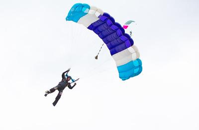 Parachuting at Voss, Norway (ekstremsportveko 2013)