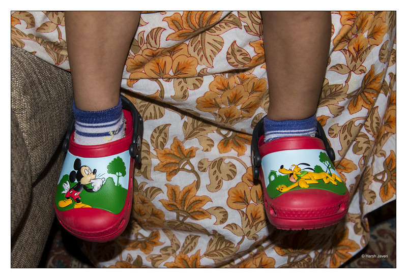 "5th year Pic 016 - July - 26 2013. <span style=""color:yellow""> Mittey Touse and Pulto!  </span> -  Anika's shoes Some of you had commented on Anika's shoes in her 'Off to school' pic. Here you can see them clearly. She calls them Mittey Touse and Pulto shoes!   <span style=""color:cyan"">Critiques welcome! </span>"
