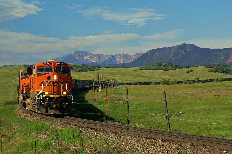 BNSF 6334 rolls through the appropriately named Greenland open space on a fantastic morning for photography.