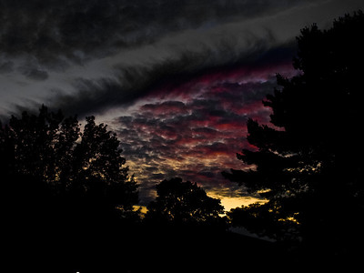 As the storm rolled out last night, a beautiful color came with it.  Good thing I stopped.  In two minutes it was gone...