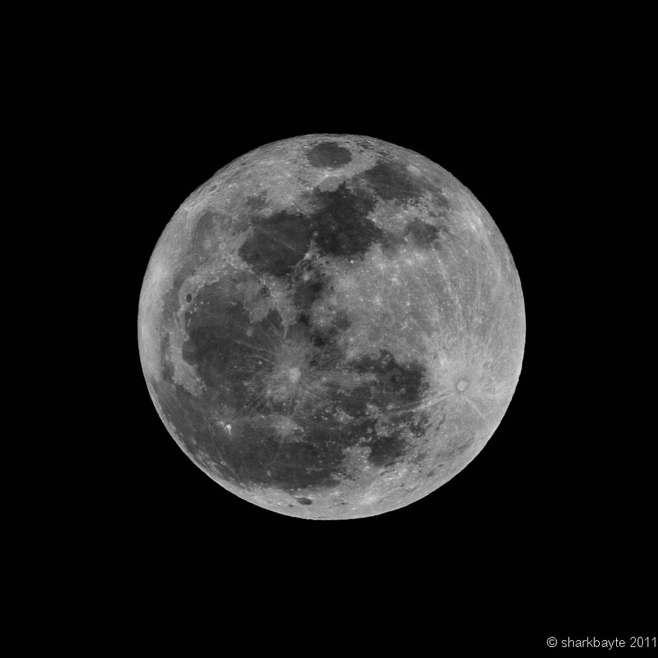 Full Wolf Moon - or January's Full Moon. I was hoping to find out why I don't seem to capture as many details in a full moon shot versus a half moon or even a quarter moon shot. I'll try again next full moon. Day 20:365 @sharkbayte