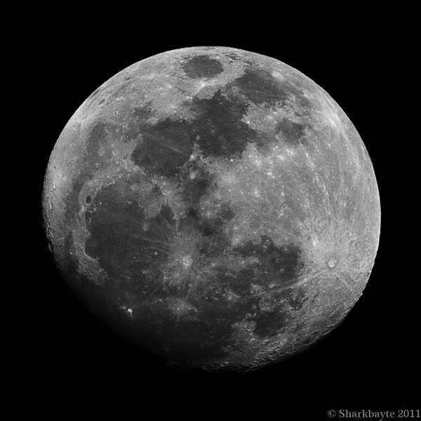 March 18, 2011-A Waxing Gibbous Moon. Taken last night. Thirteen days old and 95% full. 77:365 @sharkbayte