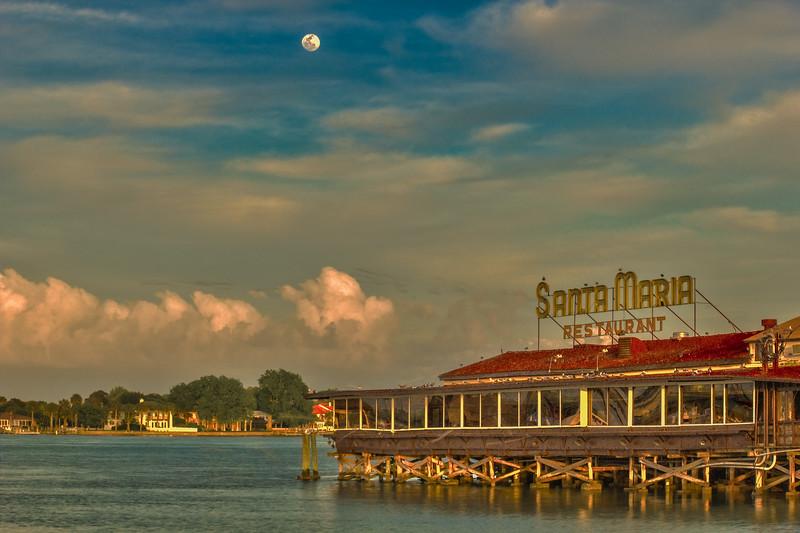 Santa Maria Moon Rise