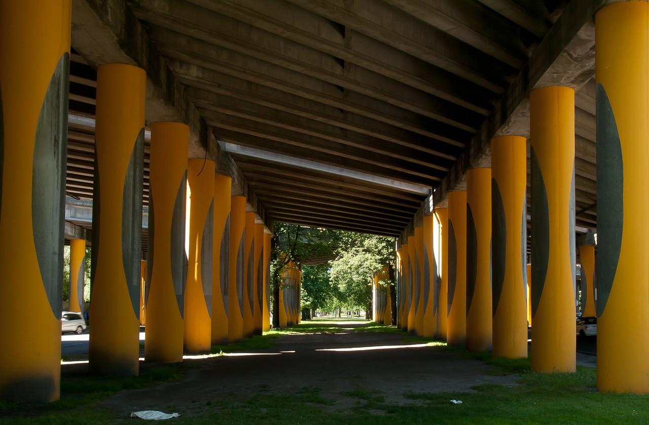 7-5-2011<br /> <br /> Bridge columns