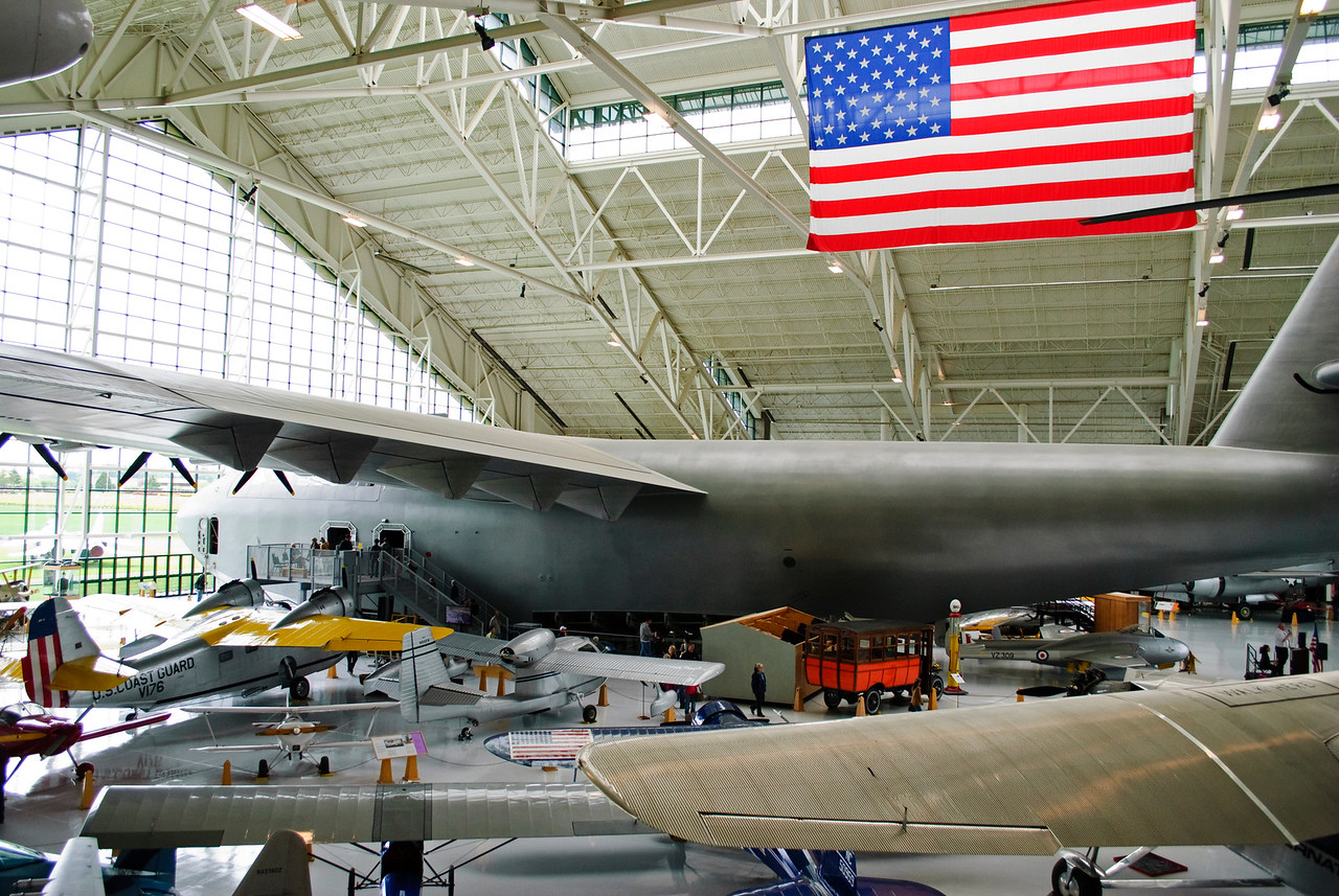 5.27.13   A big plane and a big flag