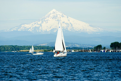 7.04.14 Sailing on the Columbia River