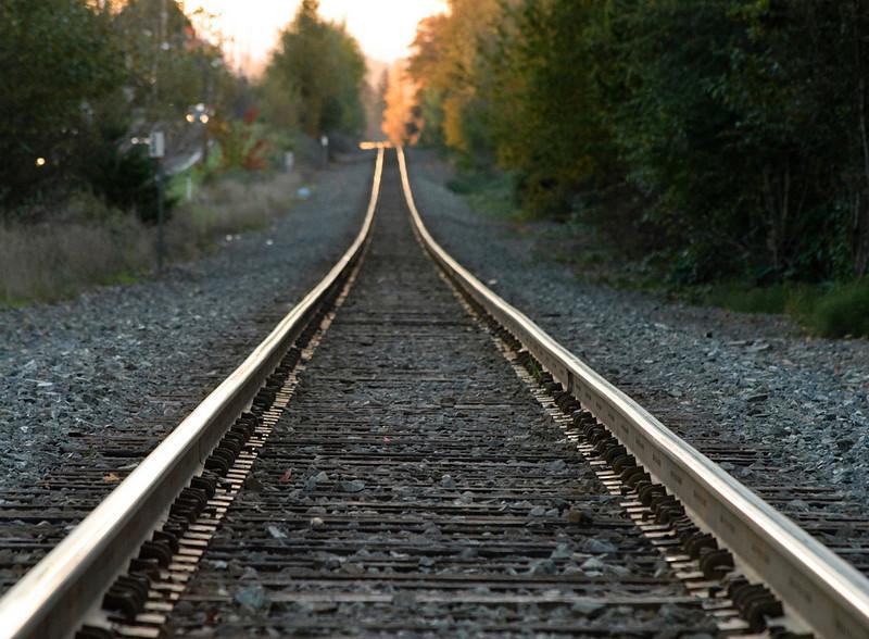 11-04-10  Early morning train tracks