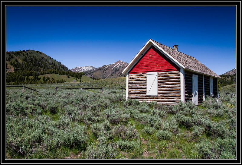 Pole Creek Ranger Station