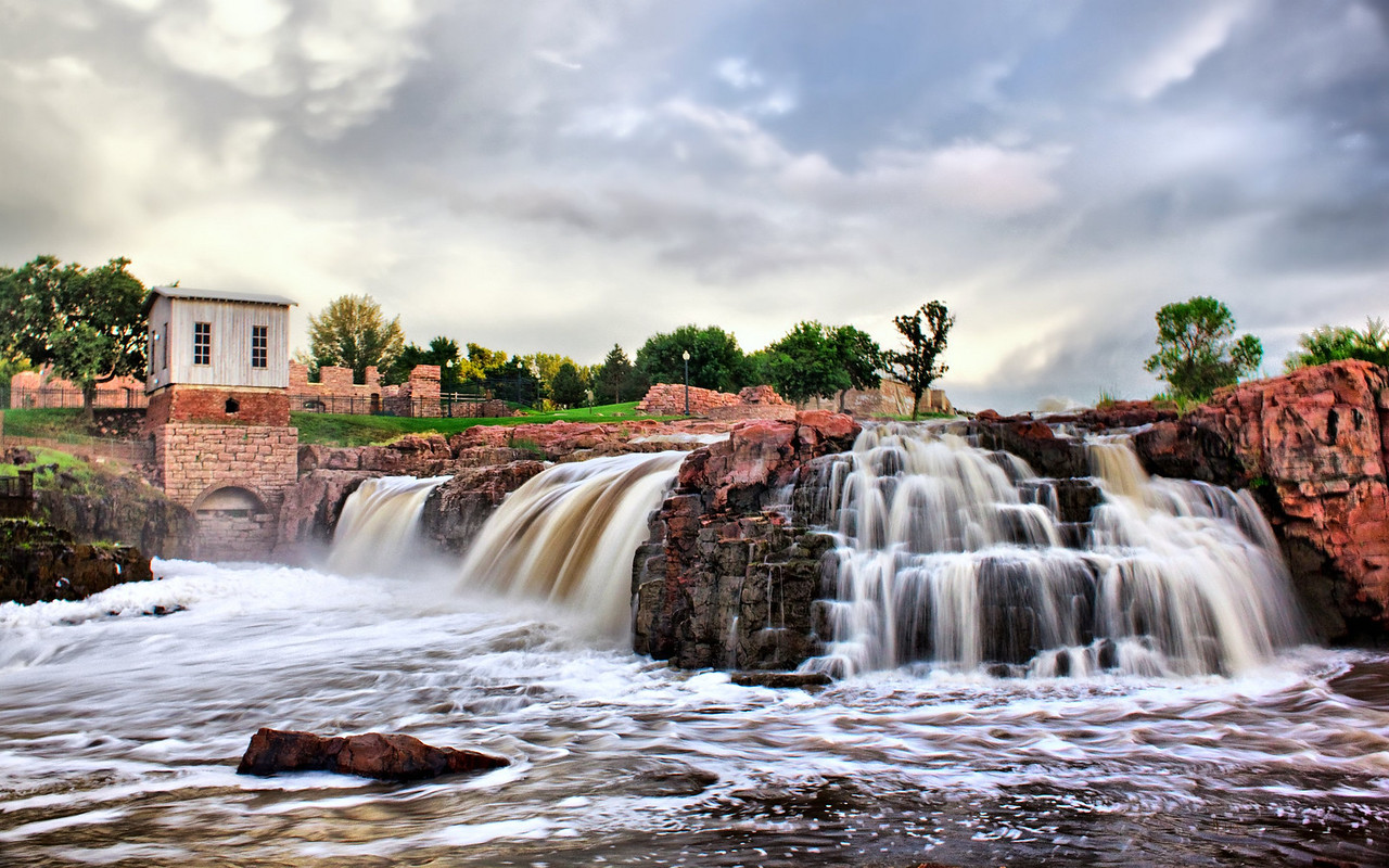 "The Falls in Sioux Falls, South Dakota<br /> <br /> Visit my Greeting Card store to purchase this print as a card<br />  <a href=""http://www.greetingcarduniverse.com/dakotawindscards"">http://www.greetingcarduniverse.com/dakotawindscards</a>"