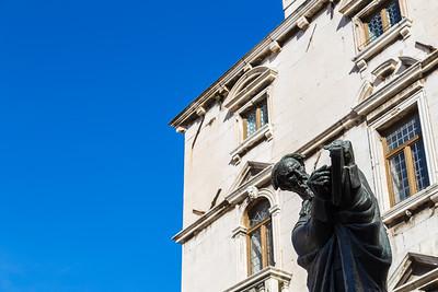 Statue of Marko Marulic