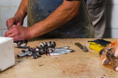 Preparing fresh fish for sale
