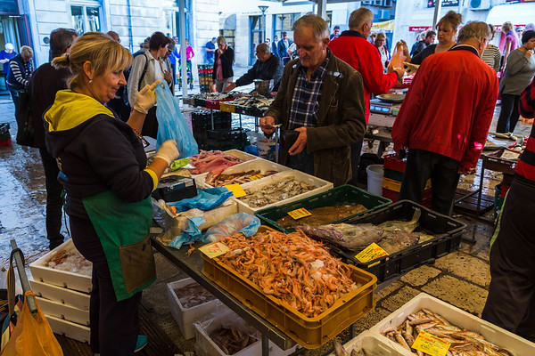 Fish trading hands