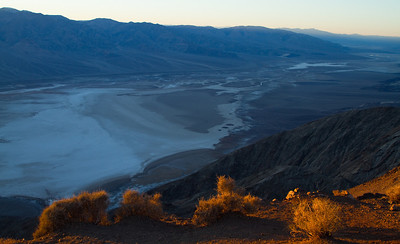 Nightfall comes rapidly to the valley. With it it brings the typically desert-like chilly nights. The white patches are salt flats.