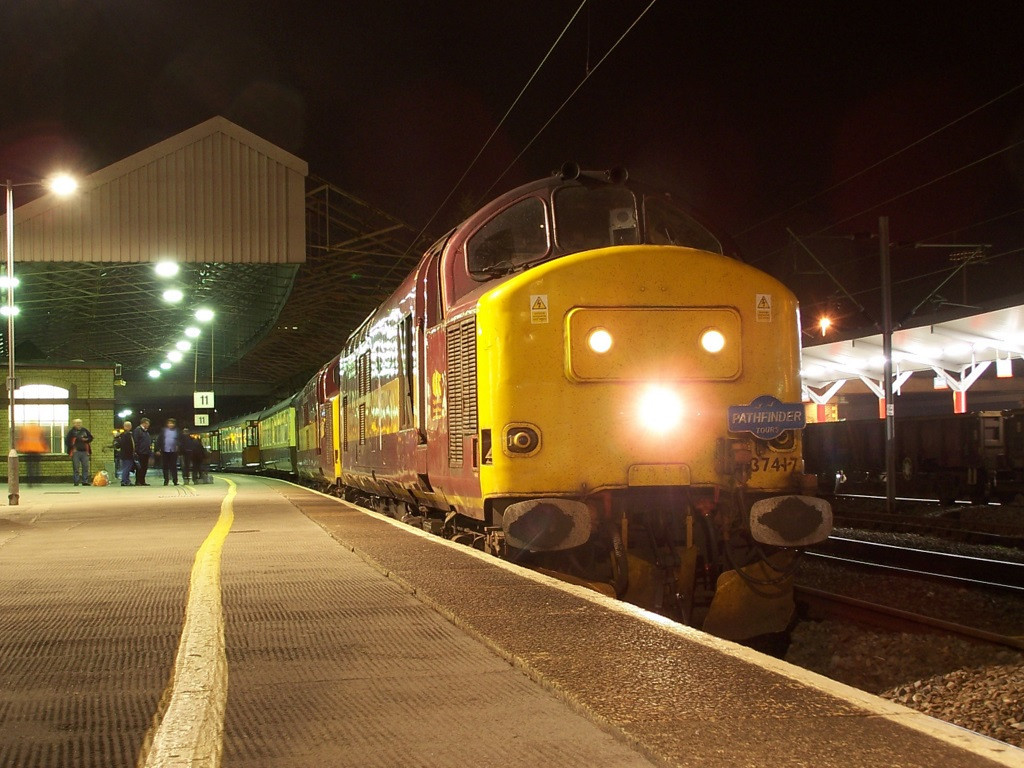 37417 and 37401, Crewe. April 2008.