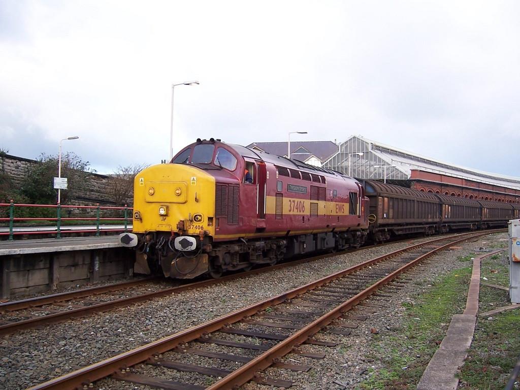 37406, Holyhead. November 2006.