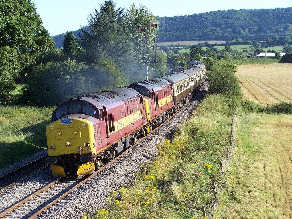 37422 and 37417, Craven Arms. August 2007.