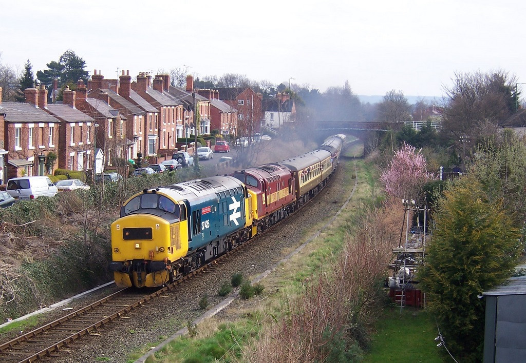 37425 and 37419, Shrewsbury. April 2006.