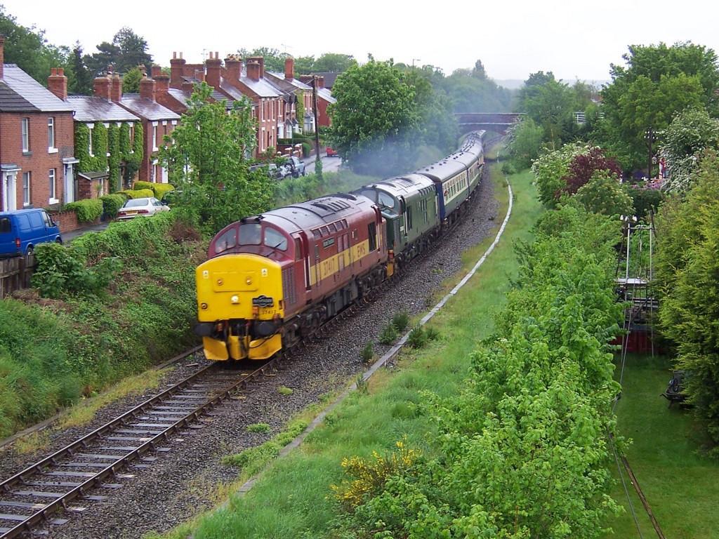 37417 and 37411, Shrewsbury. May 2006.