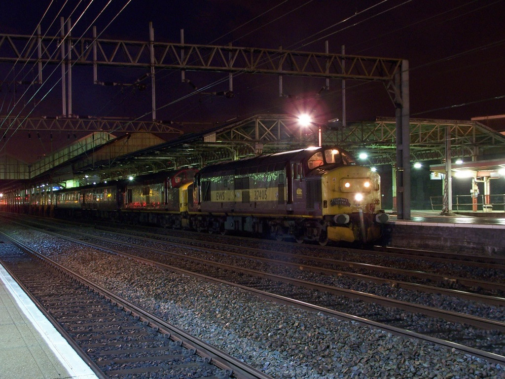 37405 and 37401, Crewe. April 2008.