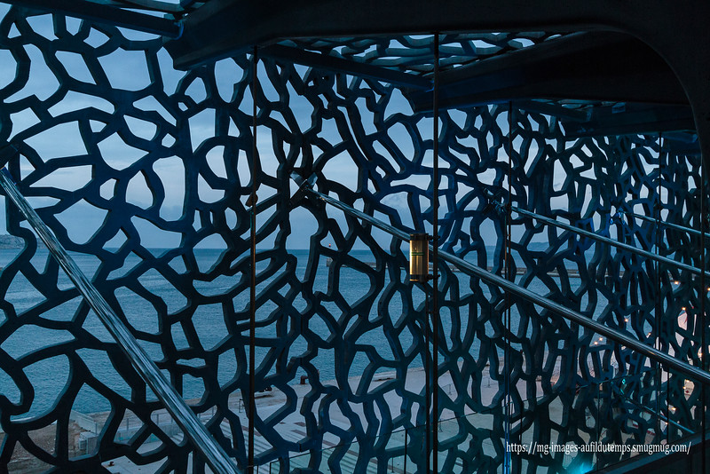 Marseille, Mucem, f/4,5, 1/60, iso 800, 22 mm